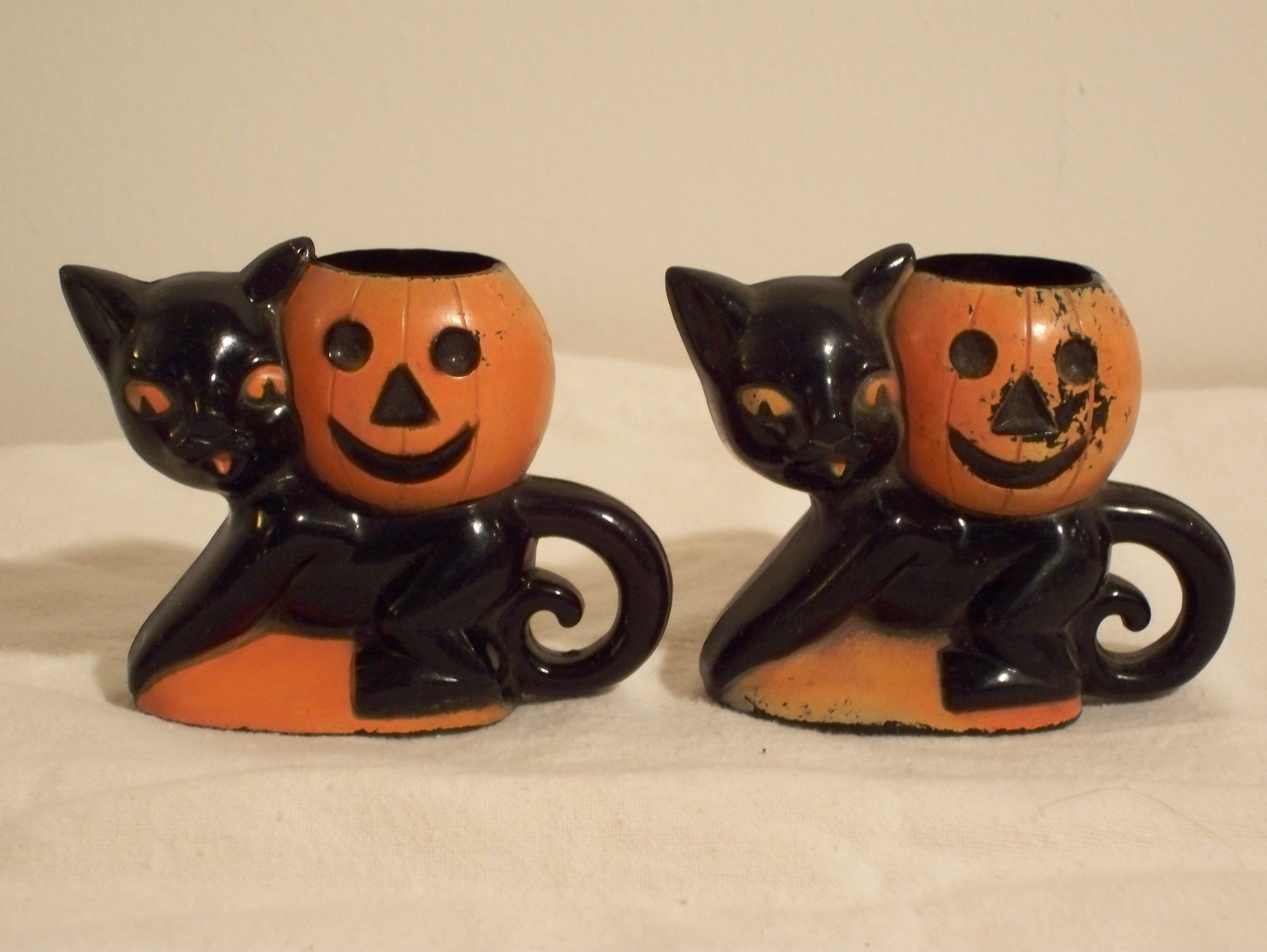 Halloween welcome to buenavintage for Antique halloween decoration